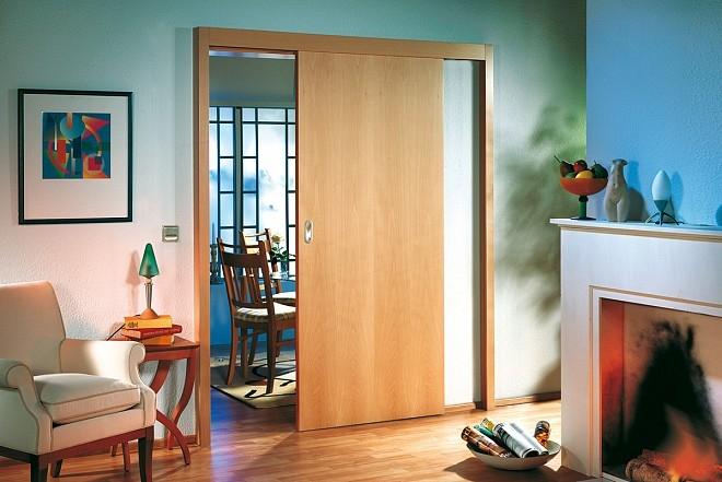 Posuvné interiérové dveře - zdroj: sunfold.com