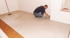 Pokládka vinylové podlahy Expona Domestic 5913 Light antique traventin
