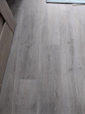 Odstranění parket a položení nové vinylové podlahy Gerlor TOPsilence
