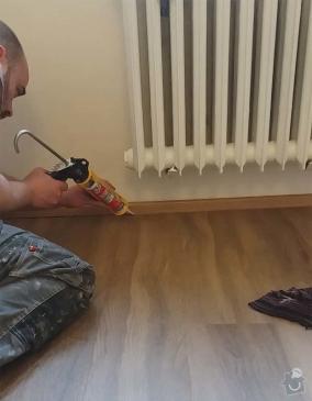 Odstranění původní dlažby, vyrovnání podkladu. Dodání a pokládka vinylové podlahy vč. olištování.